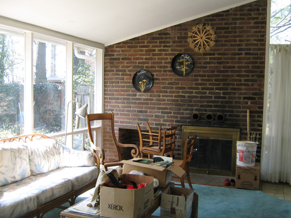 Here's the original living room as Janet and her family inherited it.