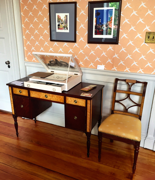 Parkton, Maryland, cabinetmaker Chris Robertson produced this gorgeous writing desk and chair for the family room.