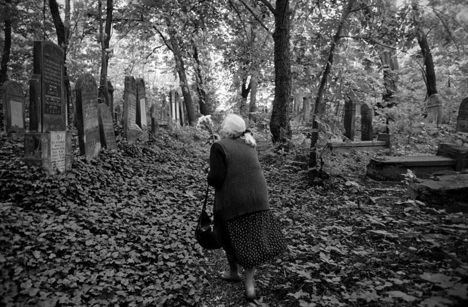 Photograph by Max Hirshfeld | Holocaust survivor visits Poland | Zawiercie Jewish Cemetery | Sweet Noise: Love in Wartime