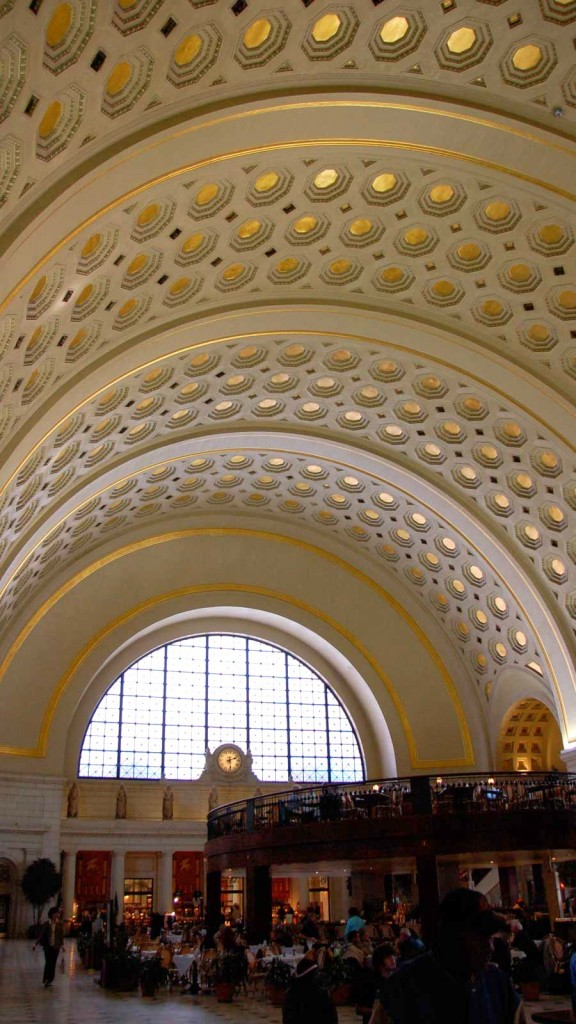 Union_Station_ceiling